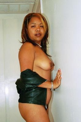 horny mariah strips down t 1 Horny Mariah strips down